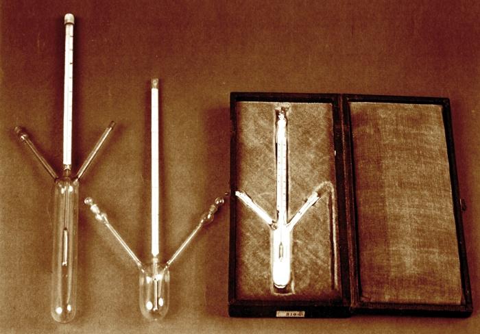 Dmitri Mendeleev's pycnometer
