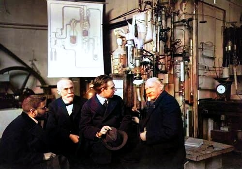 Paul Ehrenfest, Hendrik Lorentz, Niels Bohr, and Heike Onnes in 1919