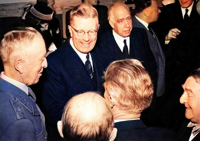 Niels Bohr with Gustaf VI Adolf of Sweden in 1951